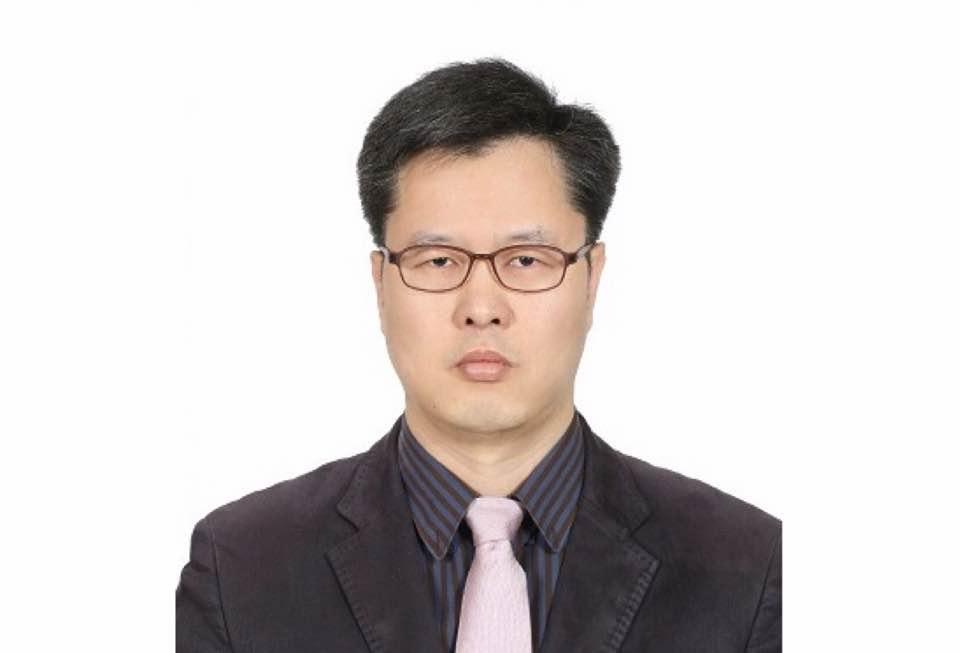 윤재석 교수  사진