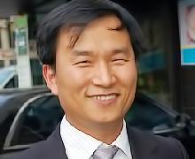 윤재준 교수  사진